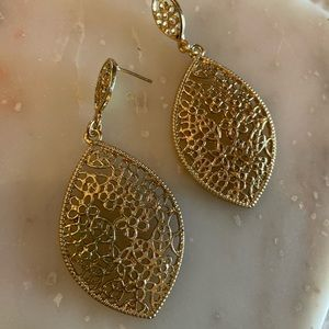 Gold filigree drop earrings!